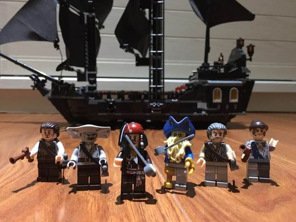 Lepin 16006 The Black Pearl Bootleg of Lego 4184