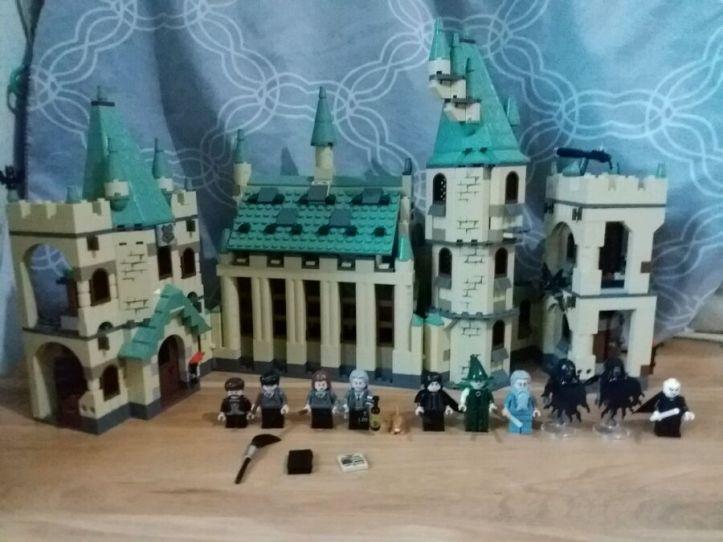 Lepin 16030 Hogwarts Castle clone of Lego 4842