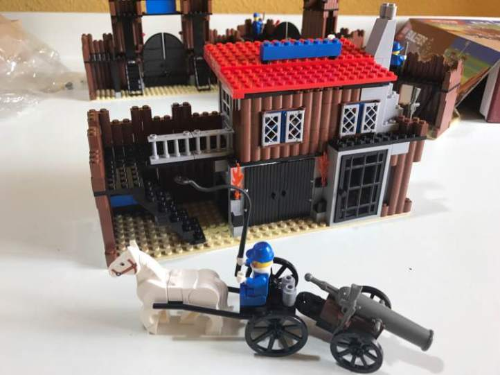 Lepin 33001 Fort Legoredo horse and canon carriage