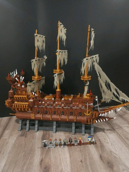 Lepin 16016 The Flying Dutchman