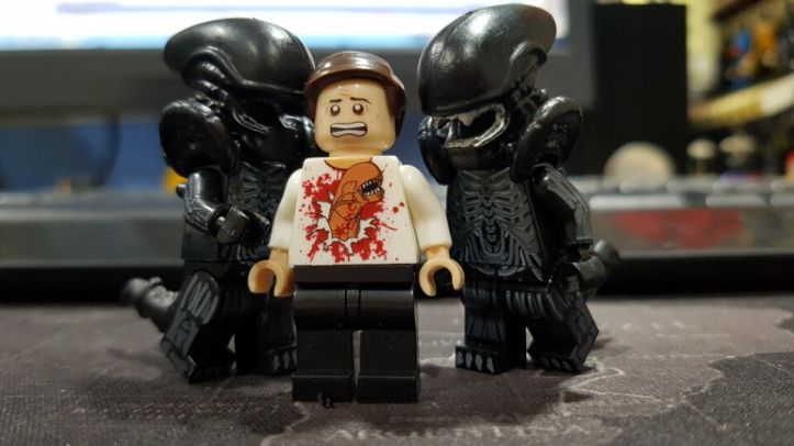 PG1050 Xenomorph and PG1089 Chestburster victim