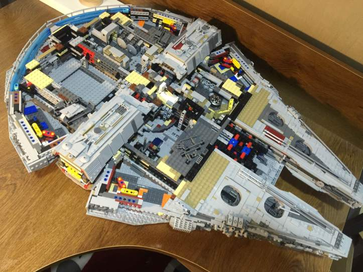Review of Lepin 05132 UCS Millennium Falcon Fake of LEGO 75192 ...