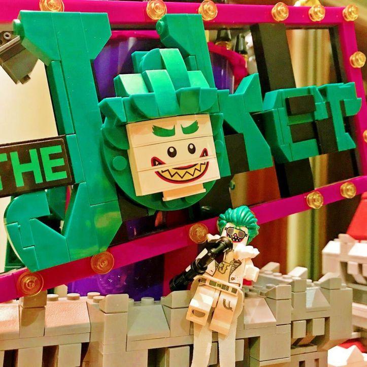 Lepin 07090 the Joker Manor Disco Joker singing