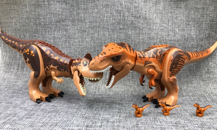 LEGO Carnotaurus vs T-Rex