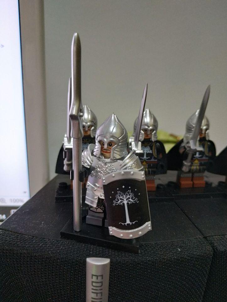 LEGO KORUIT Gondor Knight with Spear and Sheild.