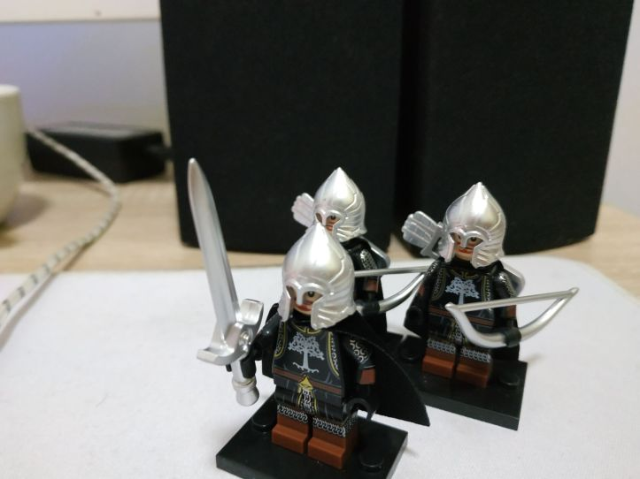 LEGO type Gondor Knight Minifigure